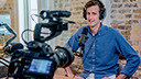 Tv, Fernsehen, Kamera, Mitarbeiter, Büro, Interview, Radio, Arbeit, Arbeitsplatz, Schreibtisch, Gespräch, Arbeiten, Brainstorming, Videogespräch, moderator, Radiomoderator
