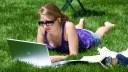Macbook, Frauen, Spielen, Wiese