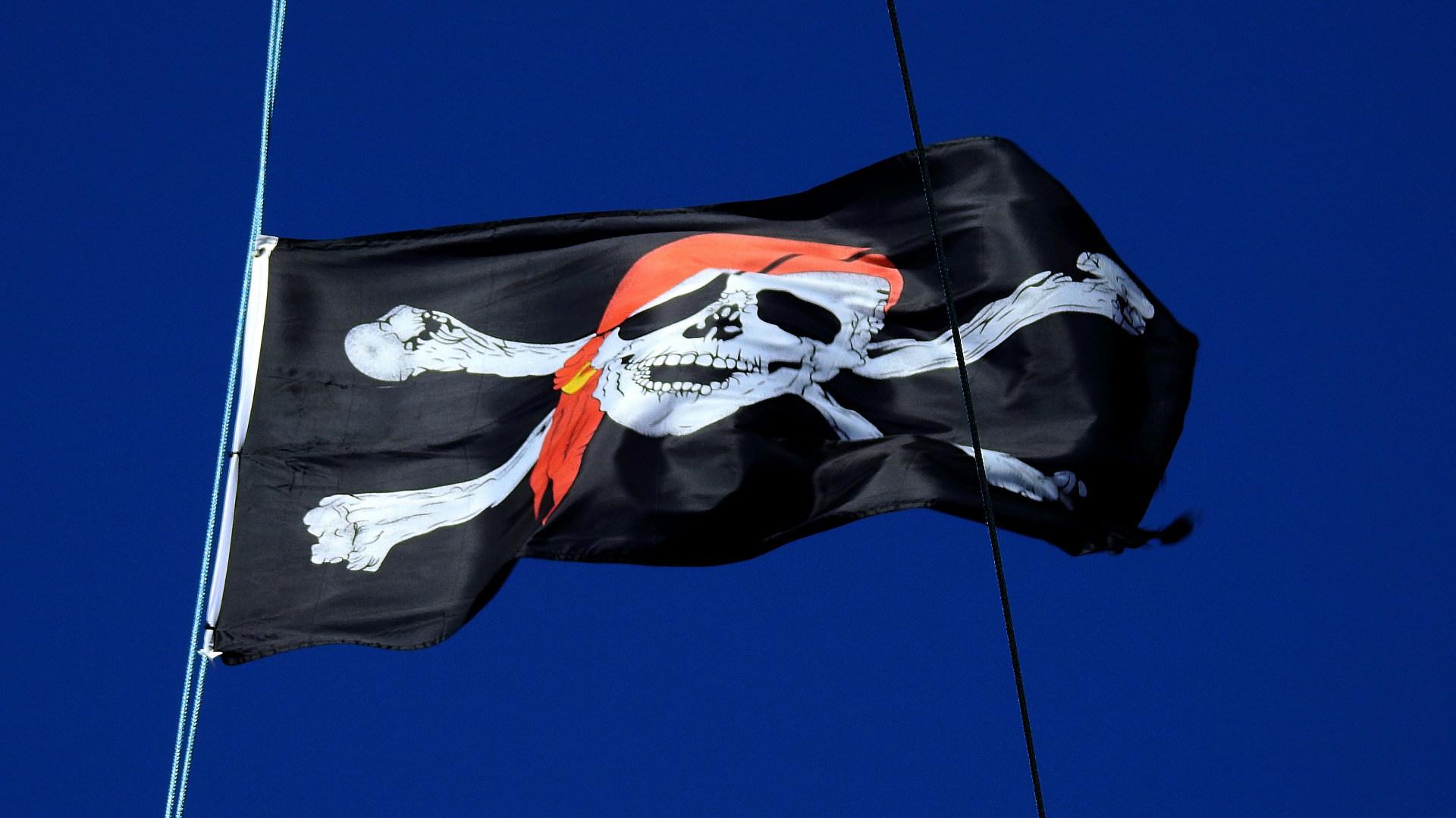 Filesharing, Piraterie, Illegal, Downloads, Piracy, Totenkopf