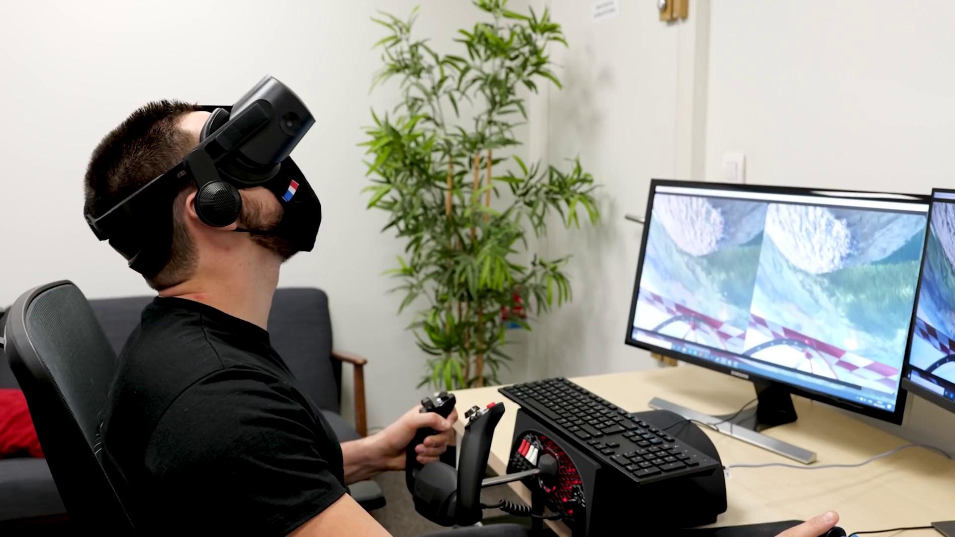 Virtual Reality, VR, VR-Brille, VR-Headset, Mixed Reality, Microsoft Flight Simulator 2020