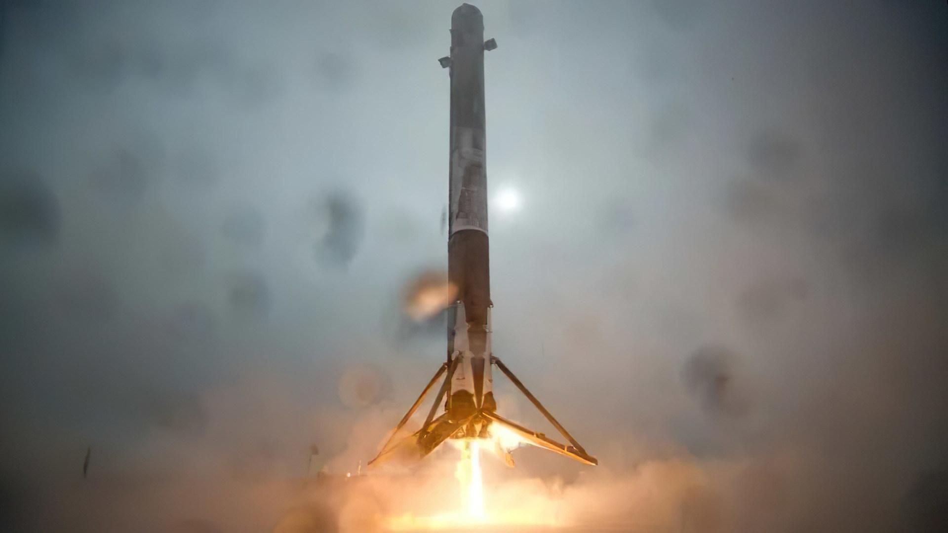 Elon Musk, Spacex, Rakete, Falcon 9, Landung