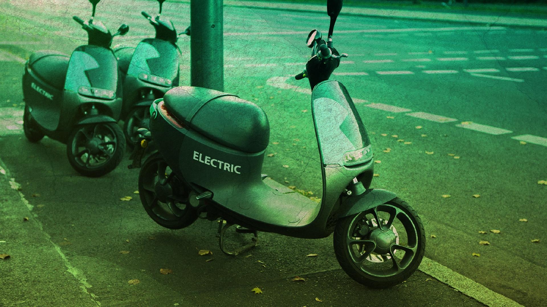 Elektromobilität, Straßenverkehr, E-Roller, Roller, Elektrofahrzeug, E-Mobilität, Elektroroller, Mobilität, Mobility, Personal Transport, Vespa, Mofa