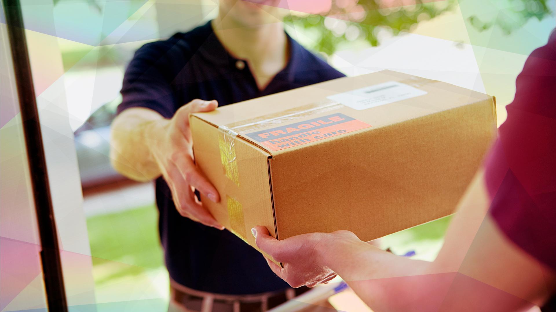 E-Commerce, shopping, Handel, Logistik, Paket, Auslieferung, Zustellung, Kaufen, Post, Pakete, Paketdienst, Paketzusteller, Logistikunternehmen, Home Shopping, Versand-Paket, Paketverfolgung, Postbote, Briefbote, Bote, Übergabe