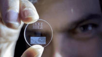 5D-Glas-Speicherscheiben bewahren viele Terabyte f�r ewige Zeiten