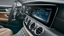 LG liefert gro�e Plastic-OLED-Displays f�r neue Mercedes E-Klasse