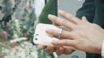 Innige Verbindung zu Smartphones: Amerikaner 'heiratet' sein iPhone