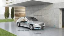 Daimler zeigt erstes Serienauto mit kabellosem Laden von Qualcomm