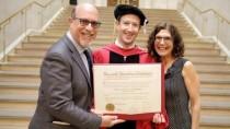 Zuckerberg plädiert in Harvard für bedingungsloses Grundeinkommen