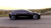 Musk: Roboter-Werk sah auf Powerpoint gut aus - Praxis war furchtbar