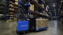 Autonomer Seegrid-Stapler bedroht Jobs sehr vieler Lager-Arbeiter