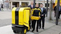 Briefträger bald arbeitslos? DHL testet PostBOT-Zustellroboter