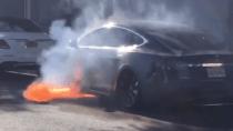 Tesla droht Sammelklage nach Privatisierungs-Ankündigung