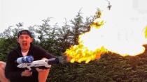 Elon Musk-Flammenwerfer bringt britischem YouTuber Polizeibesuch ein