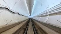 Tesla U-Bahn: Elon Musk postet Video vom Versuchstunnel