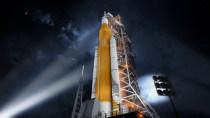 NASA zeigt beeindruckende Bilder der neuen Mondrakete SLS