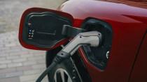 Bosch macht Laden von E-Autos an normalen Steckdosen sehr einfach