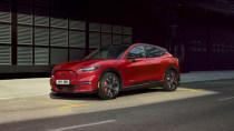 Volle Ladung, nix geht: Vermurkster Bug legt Ford Vorzeige-E-Auto lahm