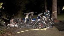 Tesla: Zwei Menschen sterben bei Unfall mit leerem Fahrersitz