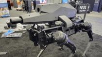 """Vierbeiniger Roboter-""""Hund"""" mit Scharfschützengewehr vorgestellt"""