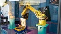 Elektroschrott-Recycling: Roboter zerlegt Ger�te in Minuten