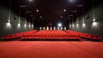 SMS im Kino: Mann verklagt Dating-Partnerin auf Schadensersatz