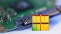 Flash kommt erstmals auf höhere Speicherdichte als Festplatten