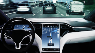 Tesla-Fahrer (alias Idiot) wird immer wieder auf dem Rücksitz gefilmt