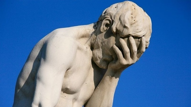 Statue, Facepalm, Verzweiflung
