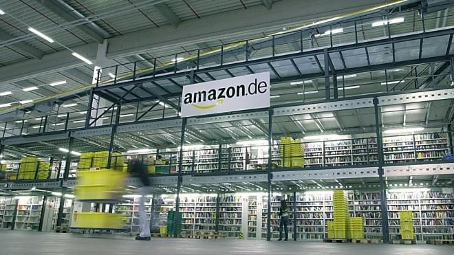 Amazon, Logo, Versandhandel, Logistikzentrum